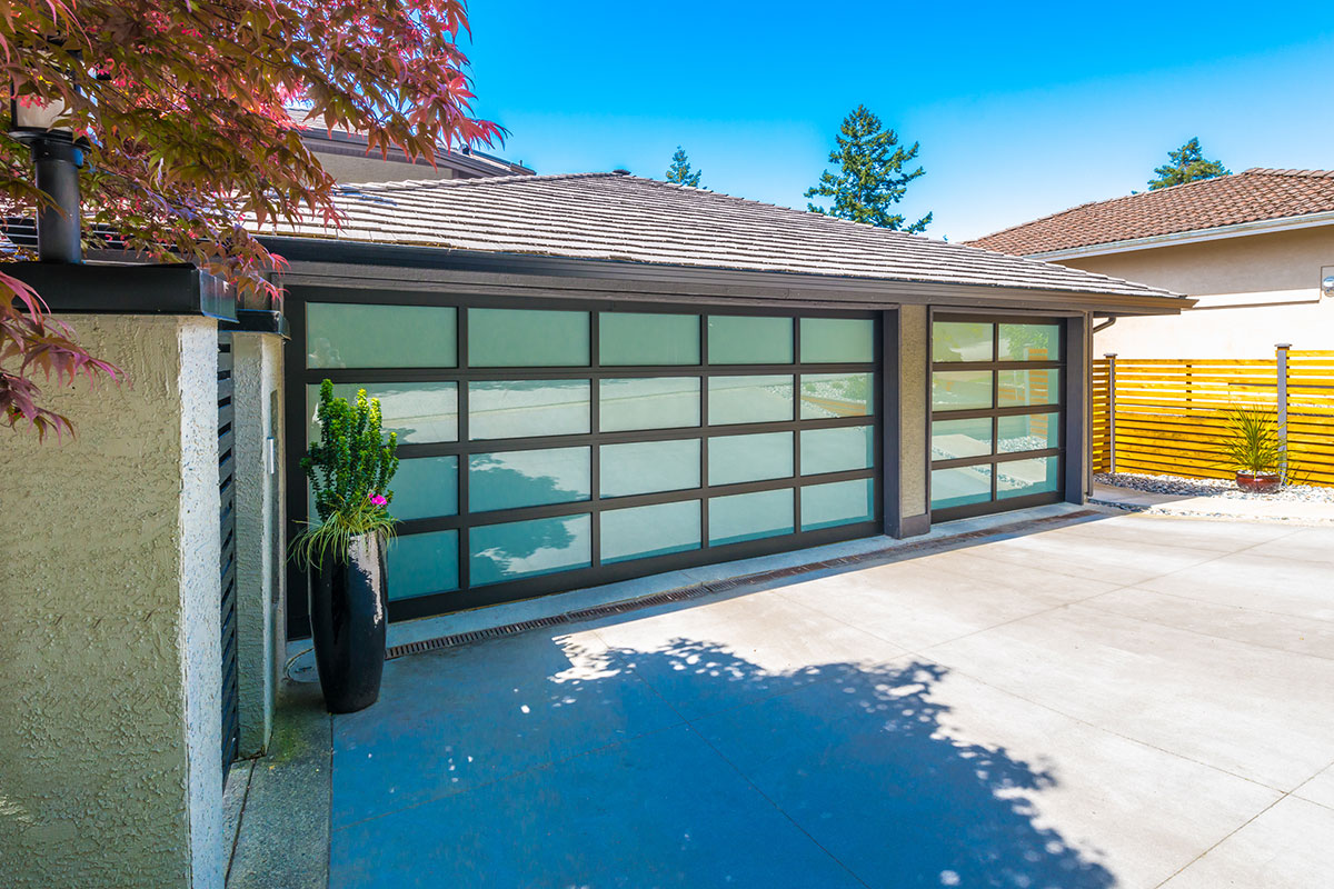 Garage Door Services in Model City